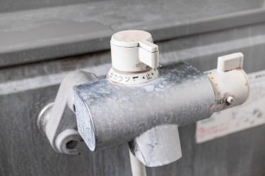 水垢を落とす方法とは?車のボディについた水垢対処方法
