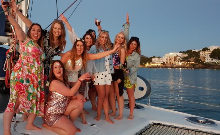 Mallorca catamaran trips - sail go catamaran - hen party sailing trip