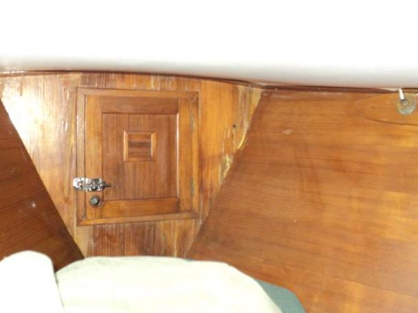 ANCHOR LOCKER BULKHEAD SHOWING WATER STAINS