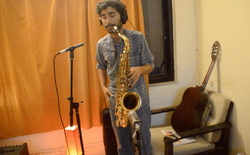 Saxophon: Neil Gomes (Indien)