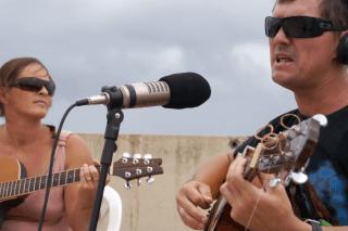 Solo Gitarre: K'an Burne (Südafrika)