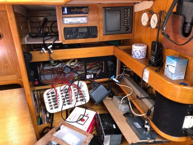Boot kabels schakelpaneel isis zeilboot zeilen elektriciteit boordnet