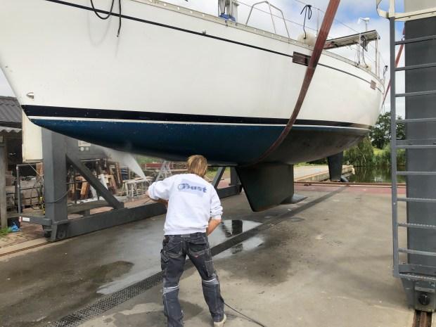 Schip onderwater schilderen boot varen zeilen vertrekken