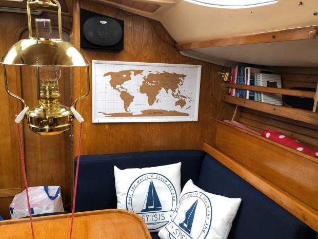 Varen zeilen boot familie eten reizen avontuur wereld