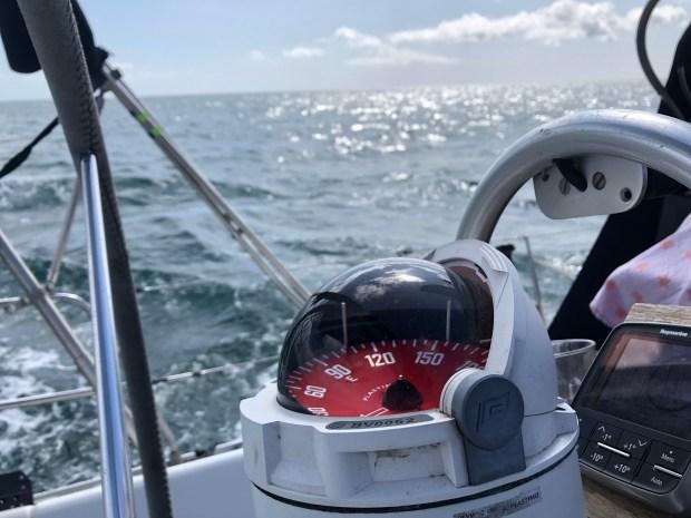 Zeilen golf biskaje vertrekken boot kinderen aan boord reizen