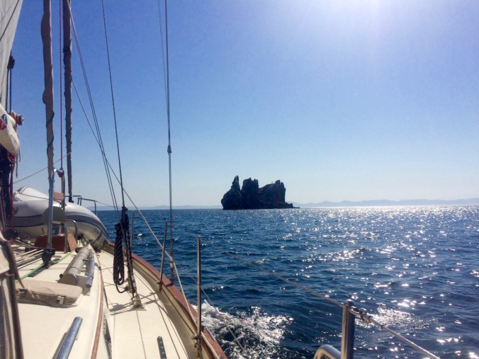 Approaching Los Islotes