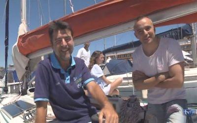 Los medios recogen el paso del Acrobat por el Estrecho