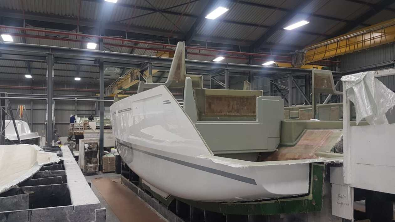 Construction fiberglass hull Leopard 40 Roberson and Caine, Cape Town, South Africa