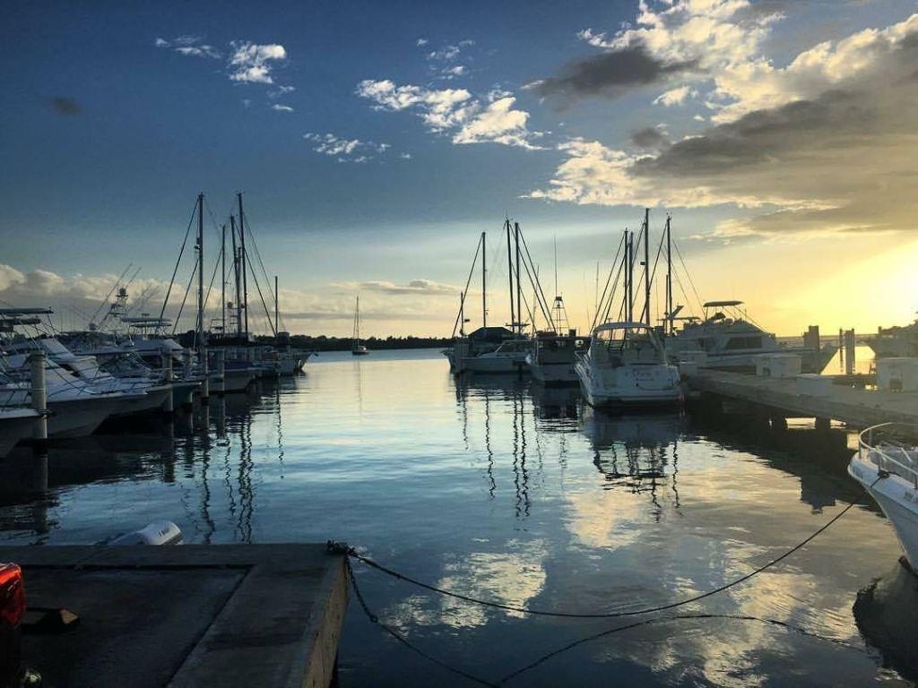 marina pescaderia sunset at docks