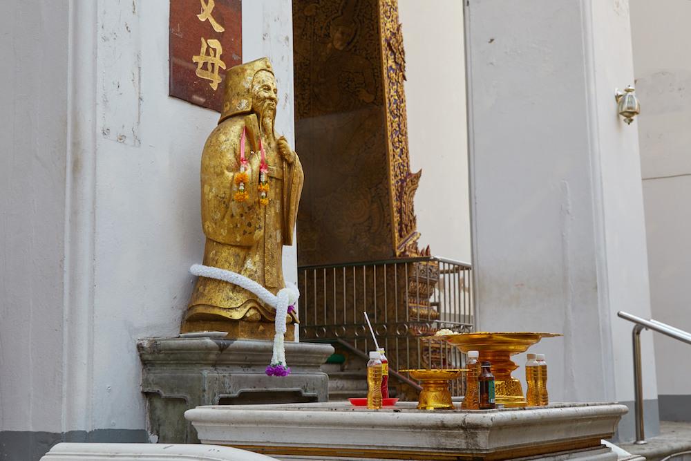 Wat Kalayanamitr Chinese statue