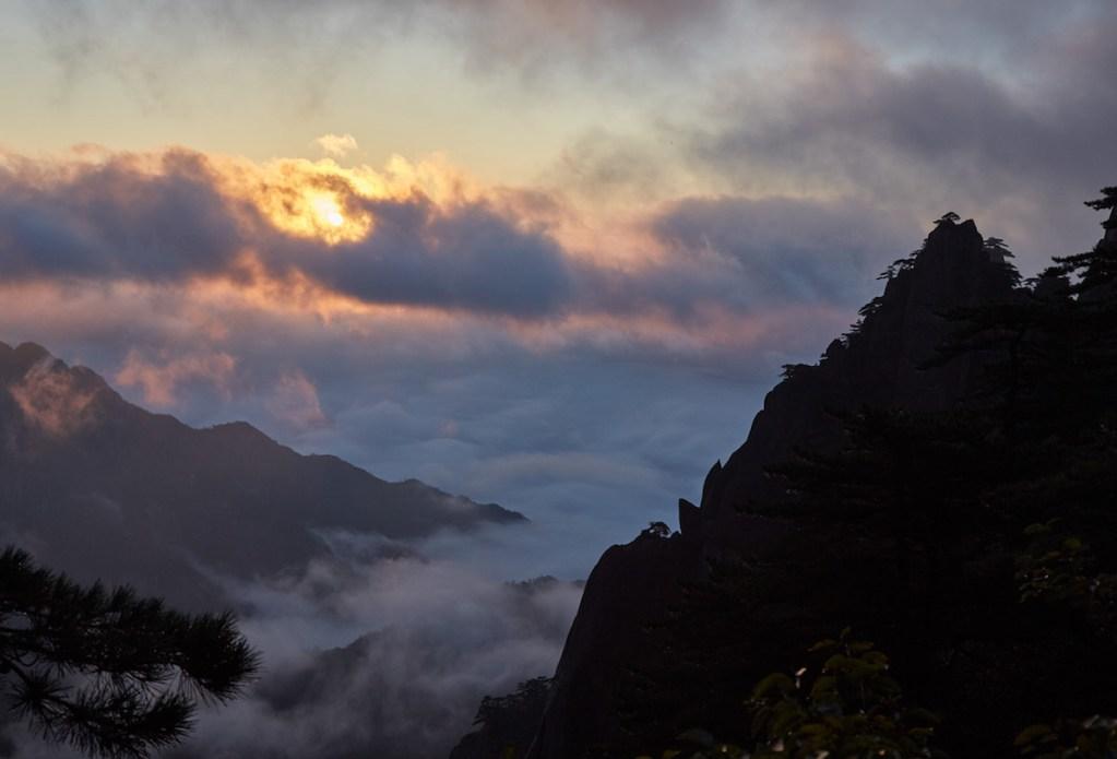 Sunrise 黄山