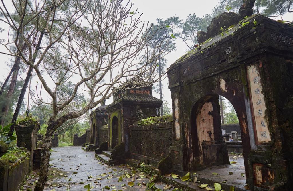 Tu Hieu Pagoda Arches