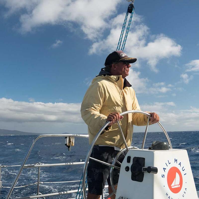 Captain-whale-watch-Maui
