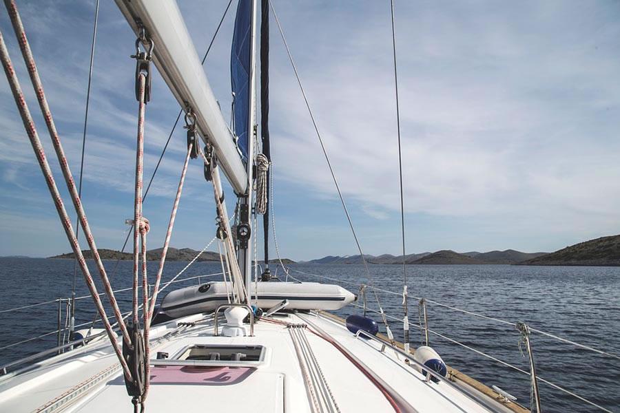 Sailboatdeck900