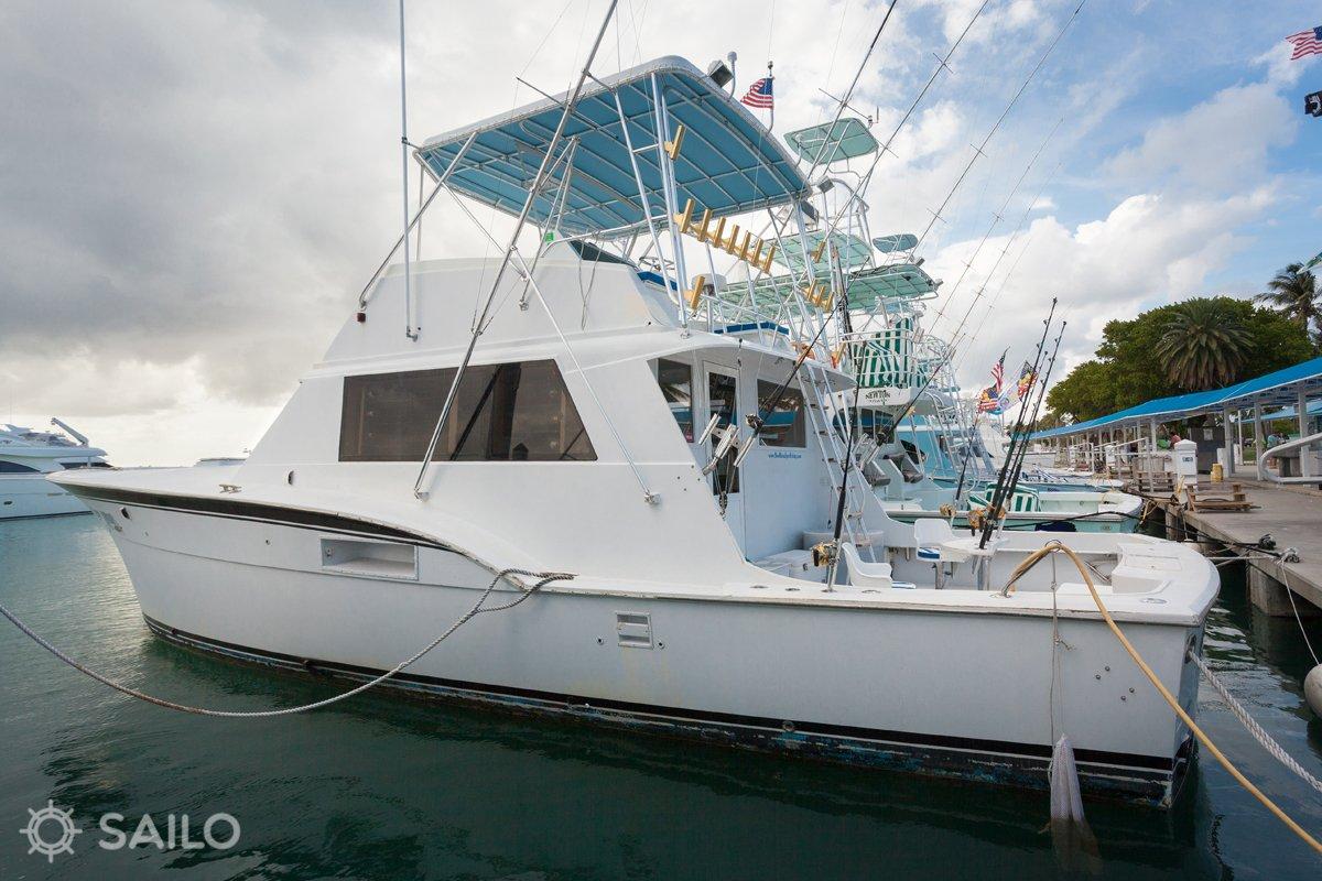 Motor 530 Hatteras Boat Rental In Miami Beach 740 Sailo