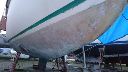 De toutes façon entre tribord et babord, l'eau ruisselle sur la tranche, impossible de poncer plus bas sans risquer le syndrome Claude François