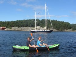 The bay where Ragnar & Marianne live is also a beautiful anchorage and a great place for kayak expeditions!