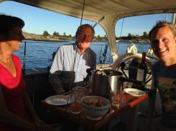 Fresh mussels onboard with Ragnar & Marianne