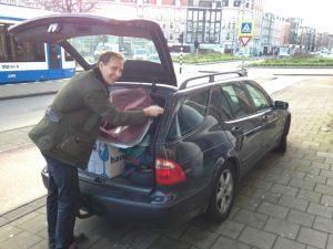 Floris packing the Saab