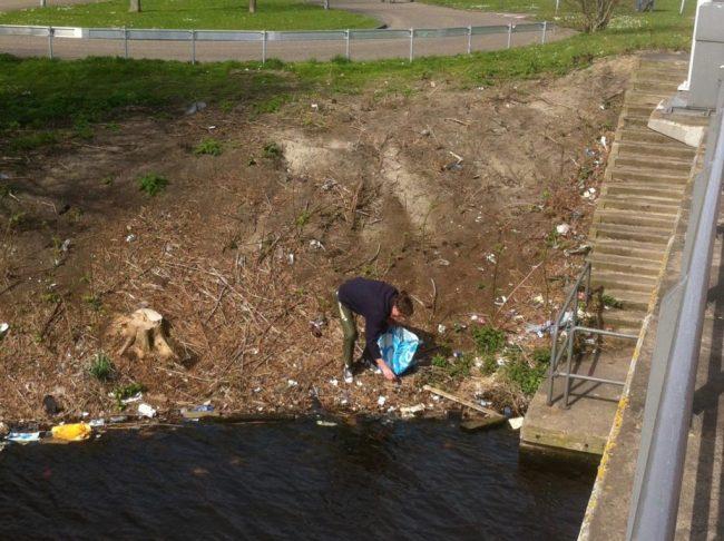 Ivar plastic cleaning NDSM Amsterdam