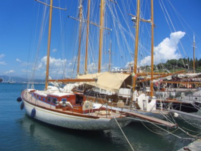 Classic sailing yachts in Le Grazie