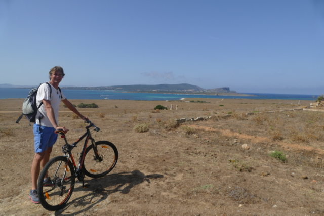 Biking barren Asinara