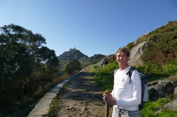 Hiking to the Faro Cies