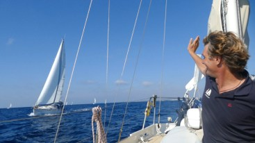 Sailing with the White Pearl