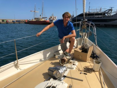 Changing the anchor windlass