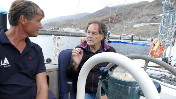 Javier Morales explains El Hierro's energy transition to us in the cockpit