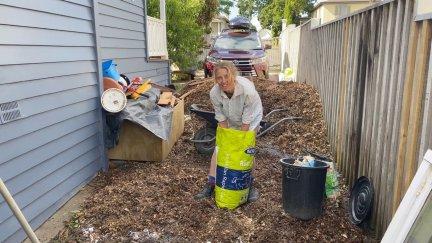 Jonna regenerating the soil