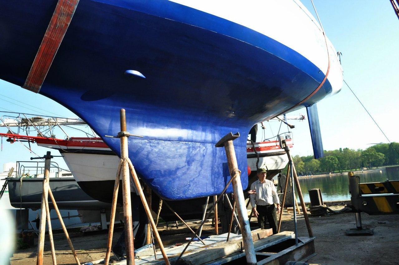Para natación costera, se aplican botes especiales, equipadas con una quilla deslizante - Swag. Cuando las transiciones en lugares de aguas profundas.