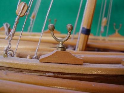 Lancia baleniera, dettaglio di uno scalmo - Whaling boat, detail of one oarlock