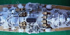 Coarazzata Tirpitz, dettaglio del ponte centrale - Battleship Tirpitz, detail of the main deck