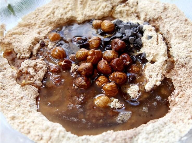 Cookies à la farine de pois chiches On ajoute le reste des ingrédients - Coup de cœur de Février : Cookies à la farine de pois-chiches