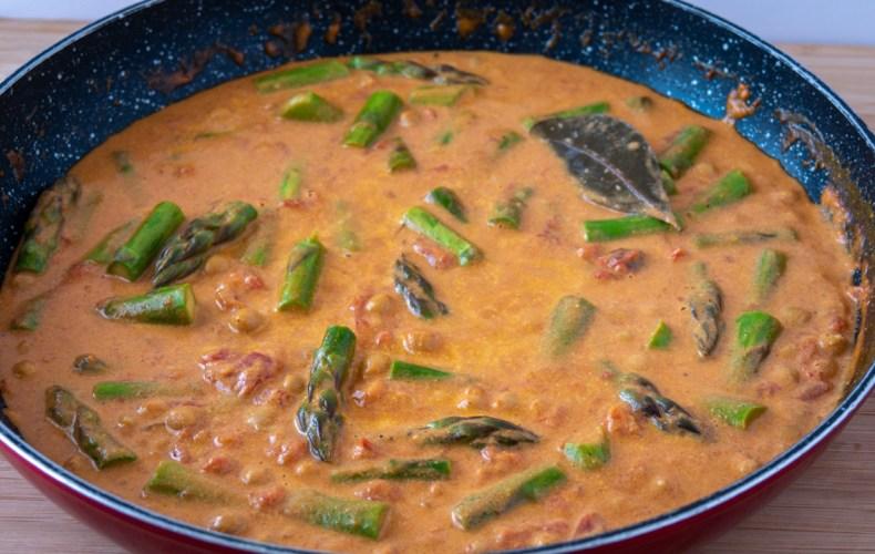 Recette Asperges Vertes Curry Asperge, Coco et Tomate