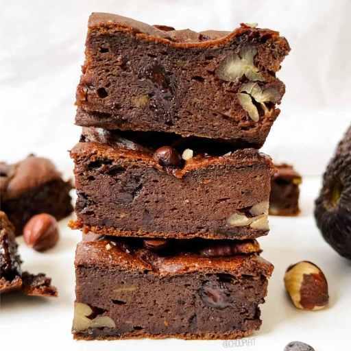 recette healthy et allégée de brownie au chocolat avec des noix de pécan et de l'avocat
