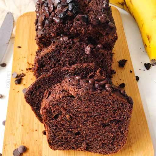 recette healthy et vegan de gâteau à la banane et au chocolat sans beurre, sans oeuf et sans lait de vache
