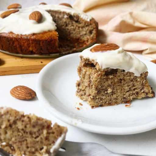 Recette healthy de gâteau à la poudre d'amande sans farine, sans lait et sans sucre raffiné