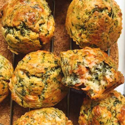 recette healthy et rapide de mini cake au saumon fumé, fromage de chèvre frais et épinards sans beurre