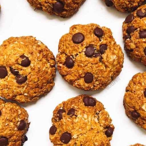 Recette healthy et vegan de biscuits anzac aux pépites de chocolat sans beurre et sans golden syrup