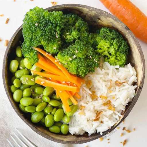 recette healthy et vegan de buddha bowl végétarien aux edamame et riz sans gluten et sans lactose