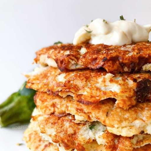 recette healthy et végétarienne de galettes de courgette cuites au four sans matière grasse
