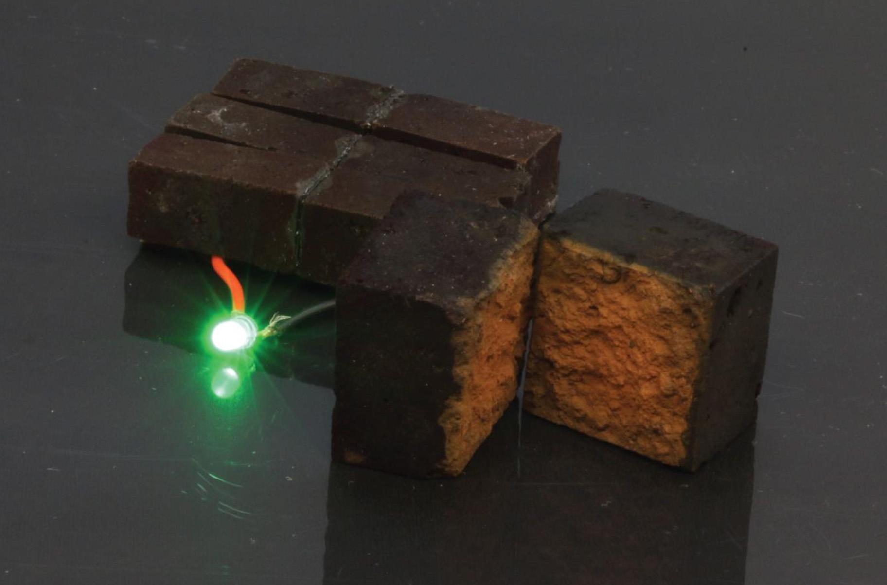 batu-bata-sebagai-baterai