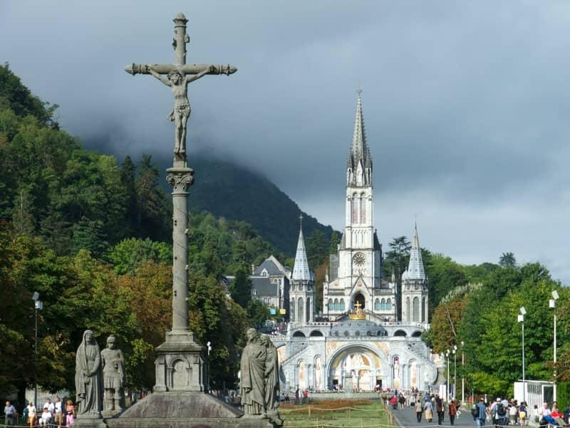 Lourdes, Croix