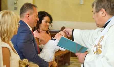 Célébration d'un baptême catholique