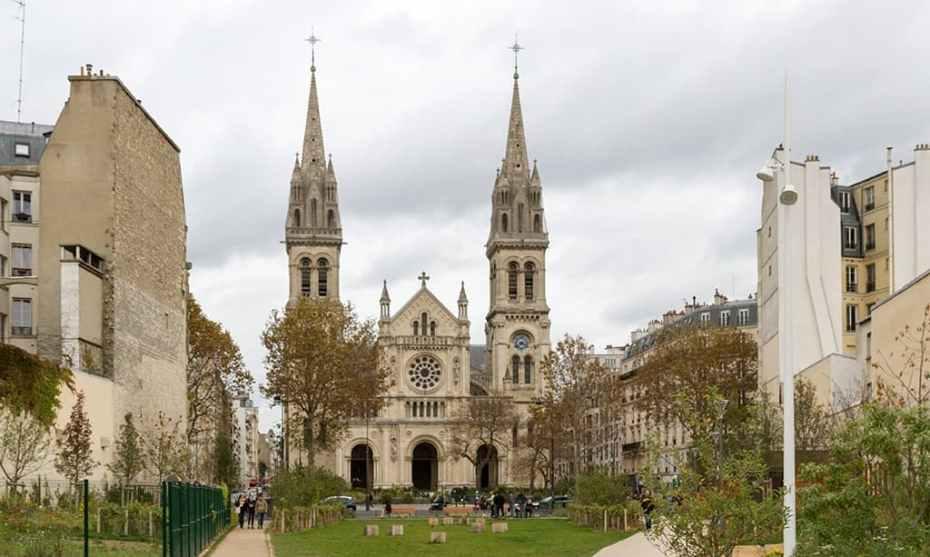 Paroisse Saint-Ambroise, vue depuis le jardin Truillot