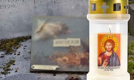 Veilleuse avec le Christ à la vente, à déposer au cimetière