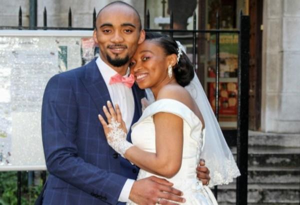 Photo libre de droit de mariage : sortie de messe