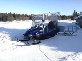 Pour faire ses courses, l'aubergiste utilise une moto-neige durant une partie de l'année.